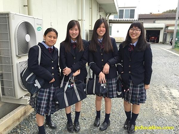 ชุดนักเรียน ม.ปลาย เรียนม.ปลายที่ญี่ปุ่น